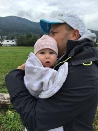 stolzer Papa mit Tochter